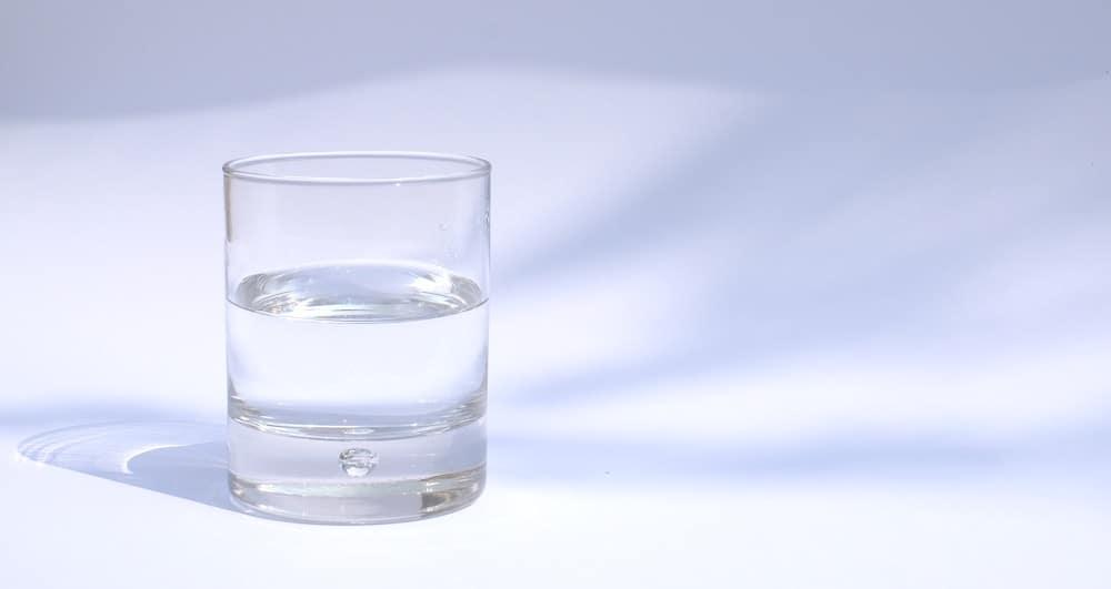 water glass - dehydration symptoms